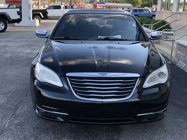 Pre-Owned 2011 Chrysler 200 Limited