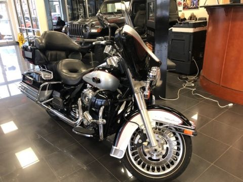 Pre-Owned 2010 Harley-Davidson Touring ULTRA CLASSIC